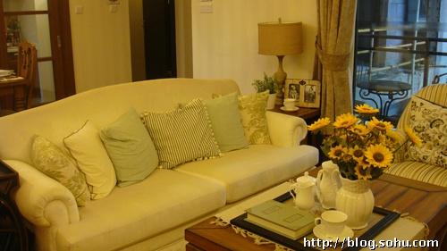 欧式橘黄色沙发