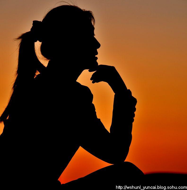 人物,以及动植物,都变成了 夕阳 的 剪影