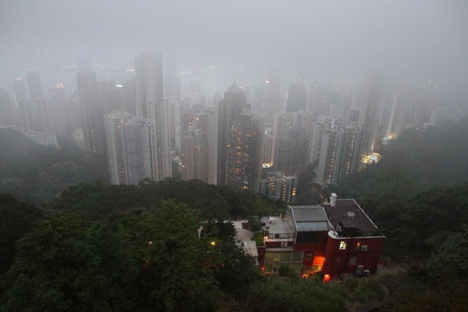 霧鎖香港太平山 - 雲卷雲舒 - ashiadu的博客