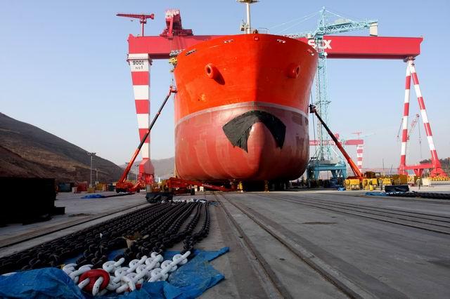 我们在大连长兴岛为韩国人建造的stx船厂工程部份