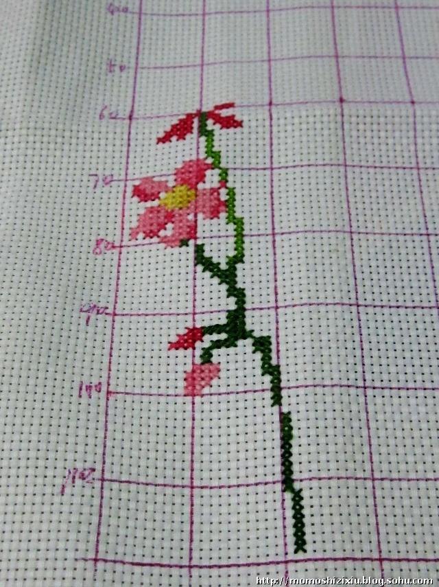 简单而清新的图案~一直很喜欢这种朴素的小花