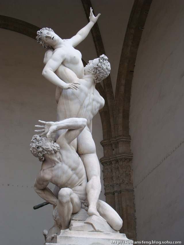 第 25展室有米开朗基罗的作品,通称tondo done的《圣家族》sacra fami