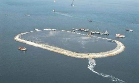 过去,实行围海造岛,扩大海岛面积和军事管理,修建机场,为收复南海诸岛