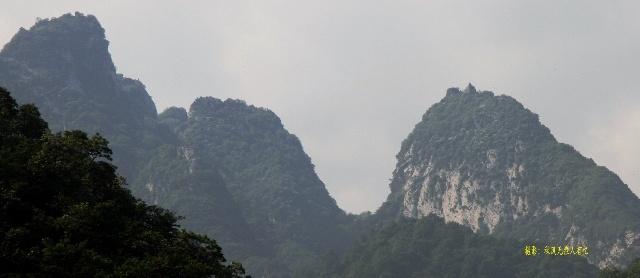 星期天的清晨,驱车来到秦岭环山公路,在太乙宫路口东行